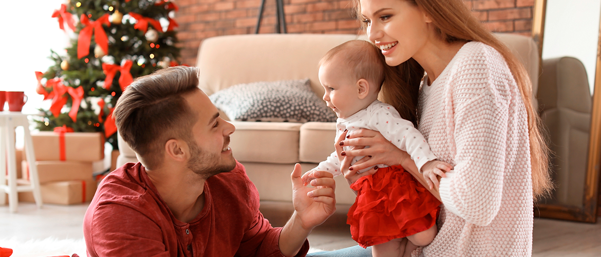 Baby's first Christmas: how to make it memorable without going too far!