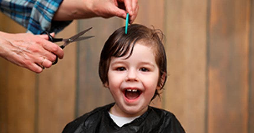 La prima volta dal parrucchiere