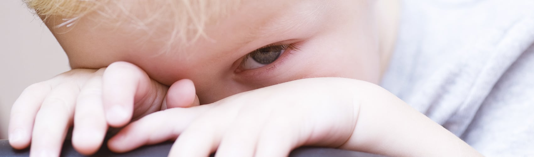 Children and shyness: how to deal with a shy and timid toddler