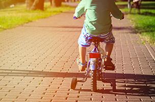 Das erste mal auf dem fahrrad